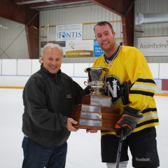 Rod presenting WCHL Cup to Matt Fisher 2017